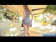 Порно видео 1 ебет 2 красивых грудастых женщин