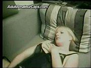 Брат сестре делает эротический массаж