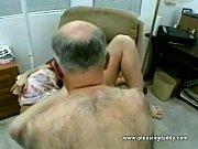 Здоровый болт до оргазма довел