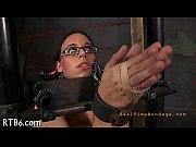 Эро видео женщины писиют в рот