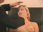 порно видео девушка спит таксист трахает ее