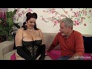 Веселая эксгибиционистка порно онлайн
