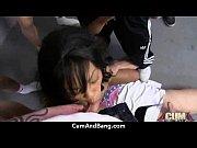 Видео сестра показывает брату пизду