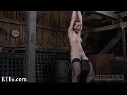 Видео анальный секс в присутствии мужа