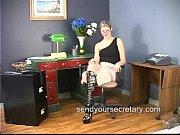 Сосет грудь и соски у девушки видео
