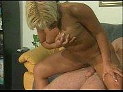 Порно ее трахнули так что она уссалась