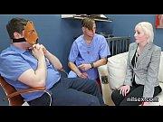 жены на приеме у массажиста видео