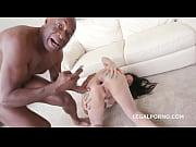 Видео порно белая и большой нигер