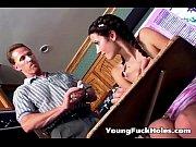 Доктор трахает молодую пациентку порно