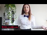 смотреть жена выкачивает у мужа сперму русское видео