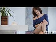 Порно видео сын увидел как мама играет со своей пиздой