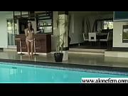 Светловолосая Алисон демонстрирует прелести, в ожидании секса с мужиком, и получает кончу внутрь