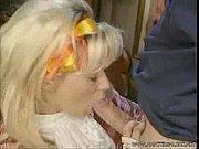Домашние видео муж лапает сиськи жены