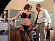 Сделал дочке массаж смотреть секс