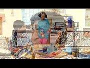 Женщина дрочит член своему мужу домашнее видео