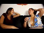Русскую старую жену трахают группой на даче порно видео