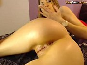 Девушка в латексе пытается освободится порно видео