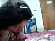Мать и дочка занимаются лезбийским сексом видео