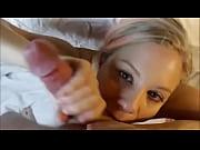 Лесбиянка кончает сисями молочком