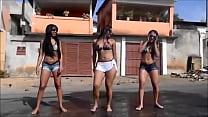 Mulheres dançando Funk na Rua