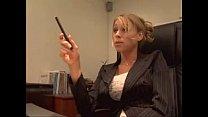 Garotão na entrevista de emprego come a chefe