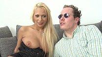 Порно блондинка из чехии делает миньет