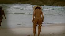 Como vestir seu biquini na praia