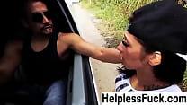 Девушка в сарафане моет полы видео