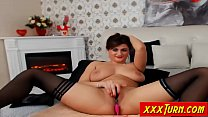 ... \u2605 webcam on shaved pussy her rubs mature Busty