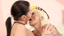Порно с медсестра приехала домой к пациенту видео