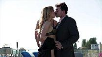 Порно видео красивая мать и дочь трахуют сына