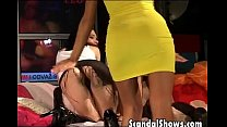 pussy wet her with playing girl busty fotografias