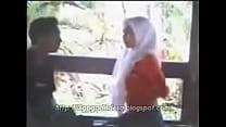 Intip Jilbab Mesum di Taman [3gpgadisdesa.blogspot.com] porn videos