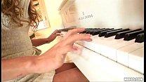 Melanie Rios - Piano / Bath