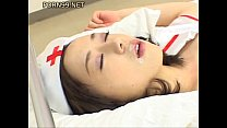 Rina ในชุดพยาบาลโดนเย็ดแล้วเอาน้ำควยมาแตกใส่ปากของเธอ