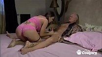 Оральный секс с аппетитными зрелыми дамочками