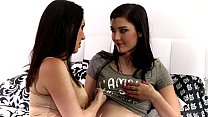 rayveness and jenna reid at mommy s girl