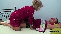 Девушка кончает и получает оргазм на веб