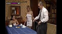 En Familia Un Hogar Muy Caliente Spanish] arc