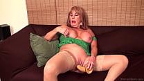 Rae Hart mature & huge dildo FullHD