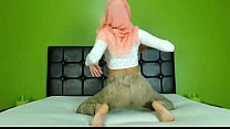 Sexy Arab Hijab girl twerking ass on cam - See more at EliteArabCams.com porn videos
