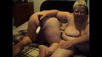 Смотреть как трхаются молодые мамы фото 640-968