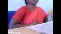 South indian office lady flash boobs to co-workers