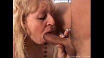 Mature BBW gives a great blowjob porn videos