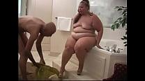 Брат трахет толстую сестру дамашнй