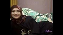 Hot Arab girl fingering on cam - gspotcam.com