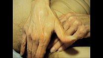 Баба сует палец в жопу мужику