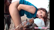 amateur brunette gets fucked on the beach