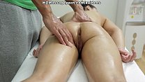 Sexmassage makes pretty doll Betty get real ple...