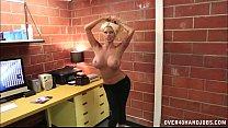 amazing sex bomb handjob